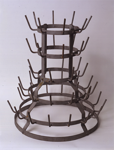 Duchamp_Bottle_Rack
