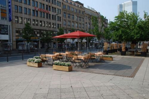 LK_2009_ghost_terrace_1
