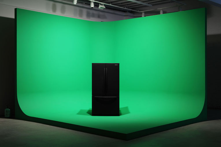 mark-leckey-greenscreenrefrigerator