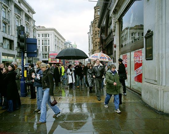 aleksandra mir-big umbrella oxford street