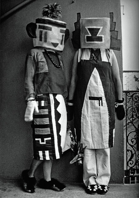 Sophie-Tauber-Arp-and-her-sister-1916-dressed-in-costumes-that-Tauber-Arp-designed-for-an-interpretive-dance-to-a-poem-by-Hugo-Ball.
