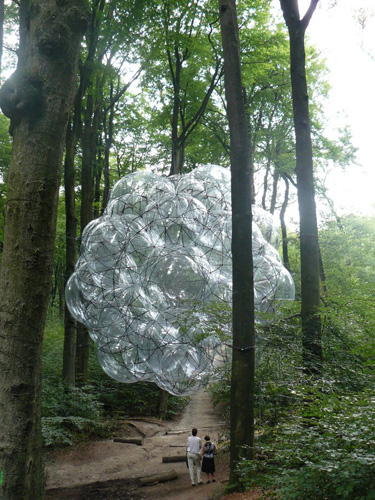 tomas saraceno flying green house