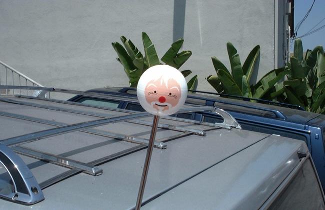 mungo-thomson-antenna baldessari