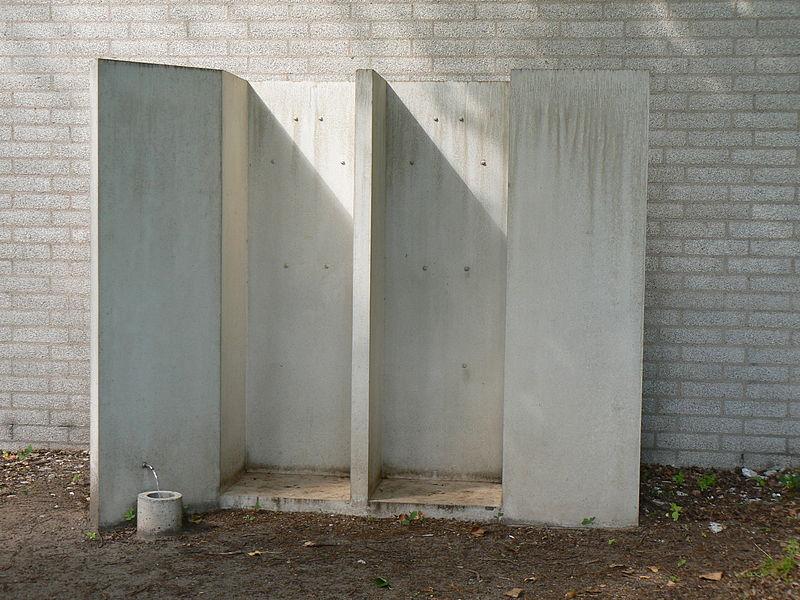 Miroslaw Balka, Fountain, 2008