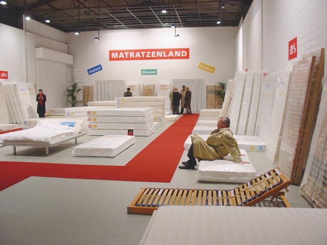 Mattressdiscount_installation,2002,_Kunsthalle,_Muenster