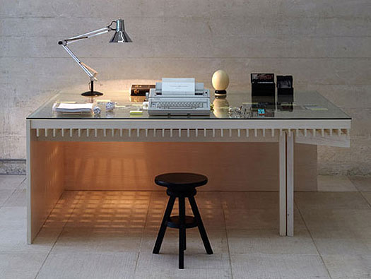 desk_job_simon_fujiwara_2010