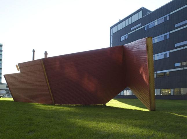 knuthenrikhenriksen_FACADE CHARADE, 2008
